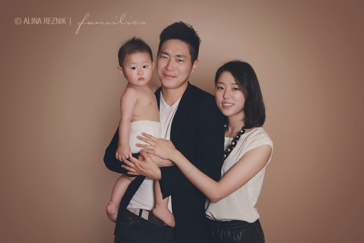 Beautiful family during a Brooklyn Baby Photography Session with Alina Reznik